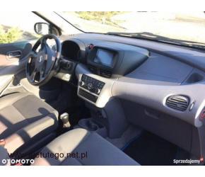 Nissan Almera Tino 1.8 zadbane wnętrze - 2/2
