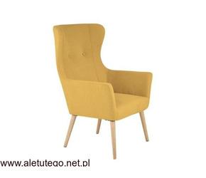 Fotel na drewnianych nóżkach